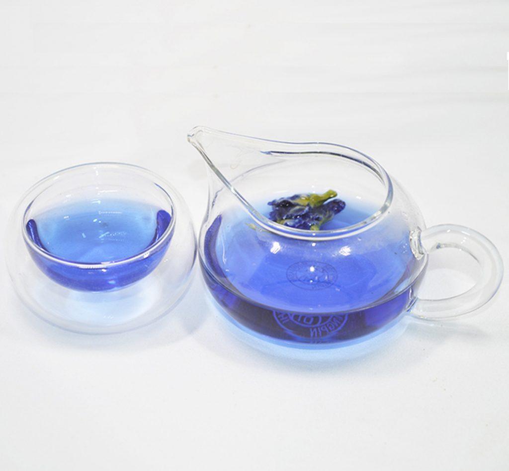 С синем чаем нужно быть аккуратным