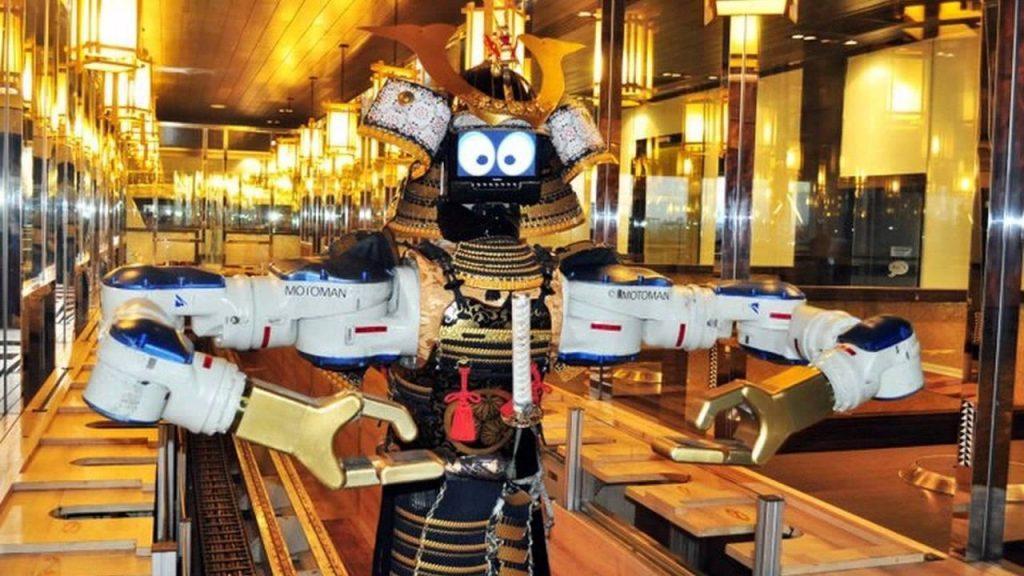 Умный робот все доставит к вашему столу