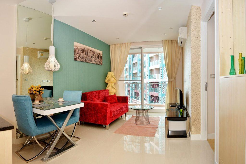 Яркие интерьеры квартир в Grande Caribbean