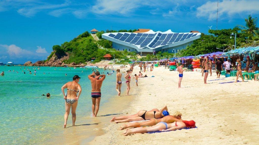 Отличный пляж Ко Лан в Паттайи подойдет для прекрасного отдыха