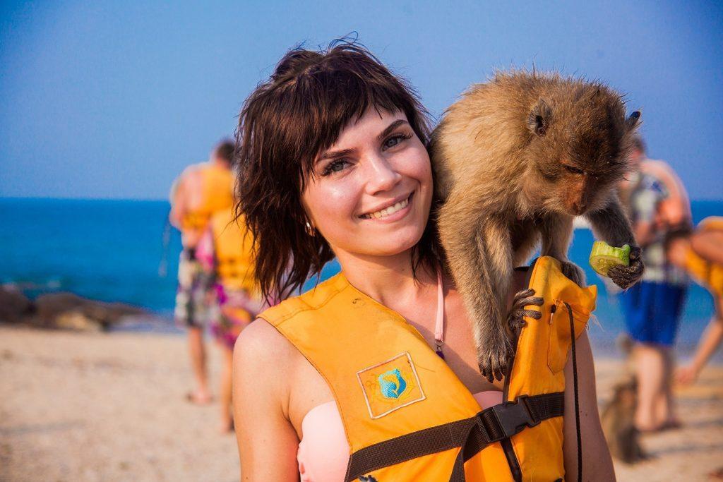 На острове Ко Пед туристы смогут увидеть обезьян-крабоедов