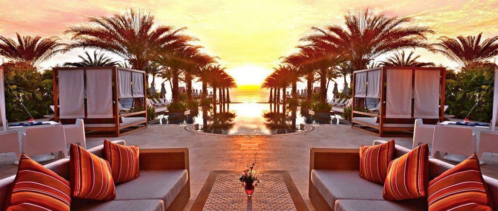 Шикарный закат из окон отеля Марракеш