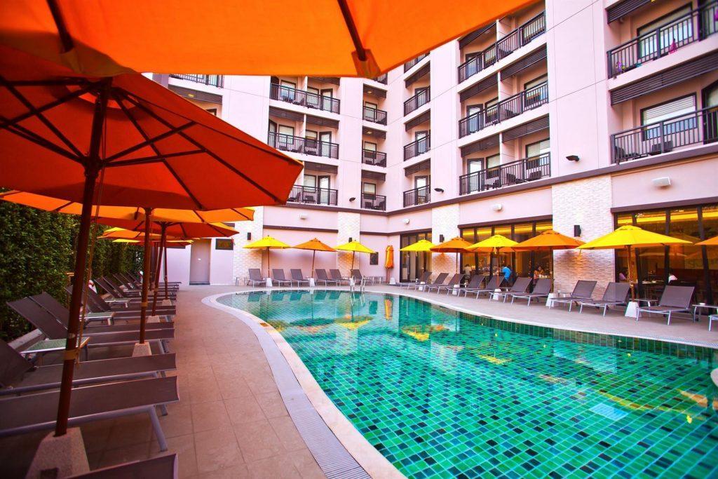 Чистейшие бассейны отеля Ибис на Хуа Хине