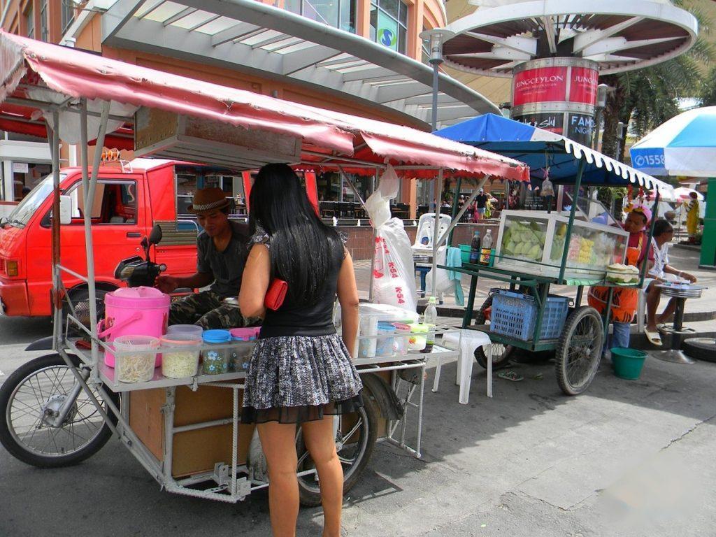 Тут охотно кушают местные жители Таиланда
