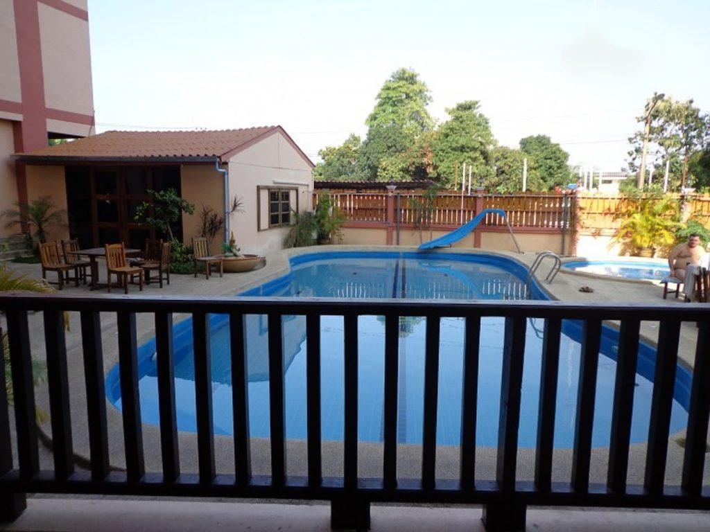 Grand Jasmine Resorts в Паттайе сам по себе небольшой, но комнаты просторные и уютные