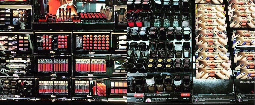 Декоративной косметики в Паттайе очень много разных брендов