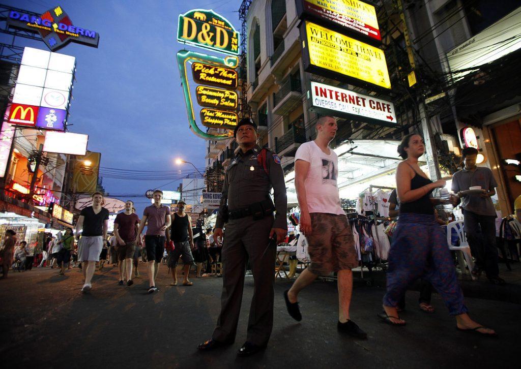 Полицейские Таиланда как правила принимают сторону местного населения