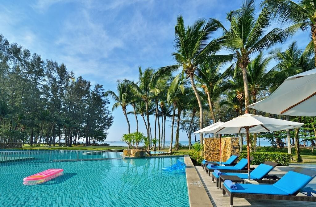 Отель Dusit Thani Krabi Beach Resort